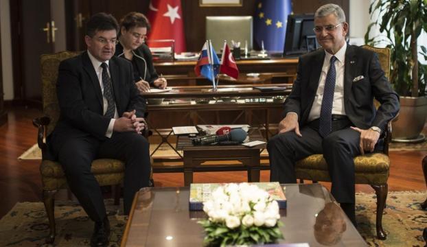 """T""""ürkiye bizim dostumuz"""""""