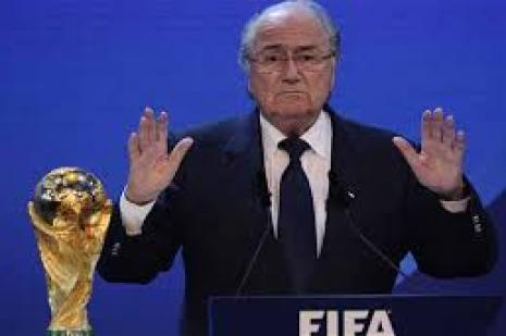 """FIFA Başkanı Sepp Blatter: """"2022 FIFA Dünya Kupası'nı yazın düzenleyemeyiz."""""""