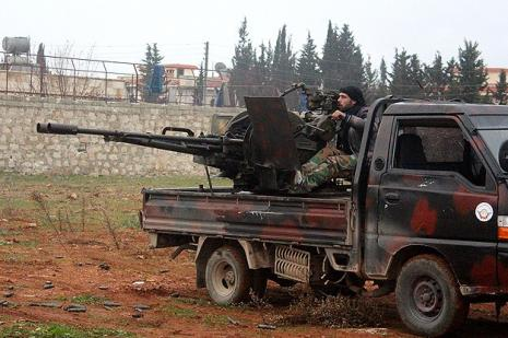 Halep Esed güçlerine direniyor