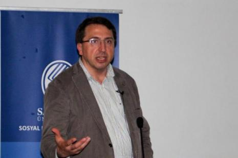 """""""Alternatif Bir Ekonomik Sistem Olarak İslam Ekonomisi"""" konferansı"""