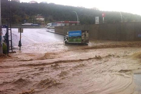 Ankarada su baskını