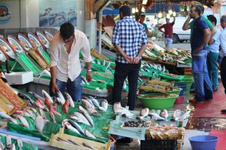 """Balıkçılar """"müzikle"""" protesto etti!"""