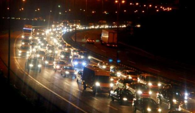 TIR trafiği felç etti