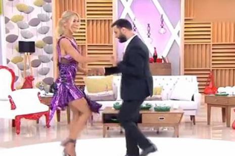 Alişan ile dans eden Çağla Şikel'in elbisesinin askısı düştü