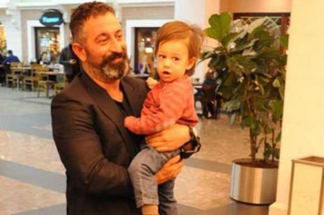Cem Yılmaz'dan Oğlu Kemal'e: Oku baban gibi eşşek olma