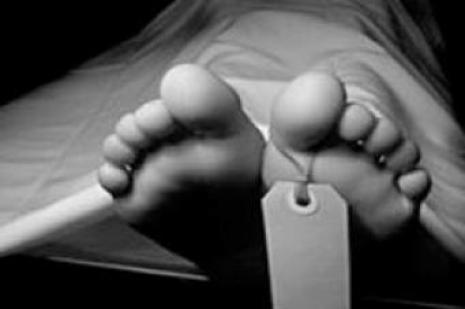 Gölette çıplak erkek cesedi bulundu