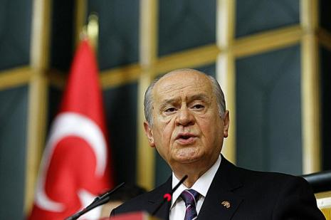 Kanlı ellerini Türk bayrağına uzattılar