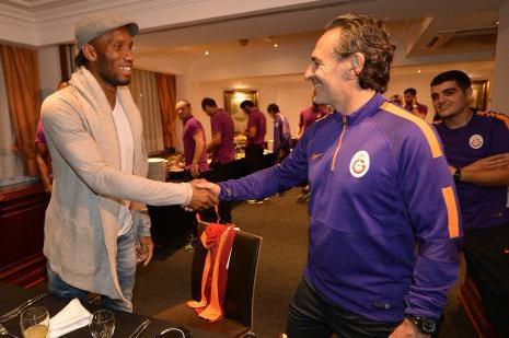 Drogba, Galatasaray kampını ziyaret etti