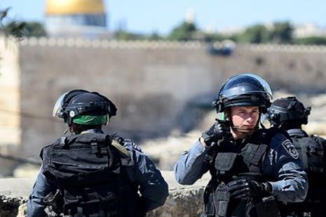 İsrail askerleri Mescid-i Aksada bunu da yaptı
