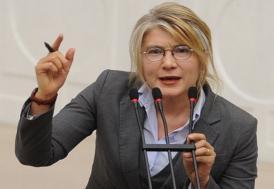 CHP'de şok istifa