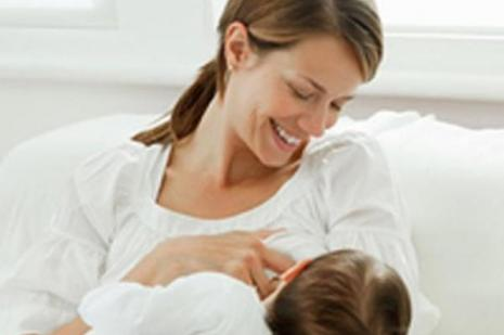 Emziren anne kanserden korunuyor