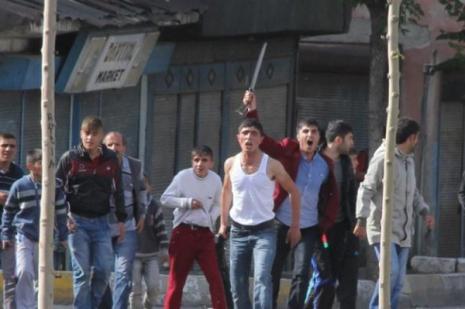 Erzurumda tehlikeli gerginlik