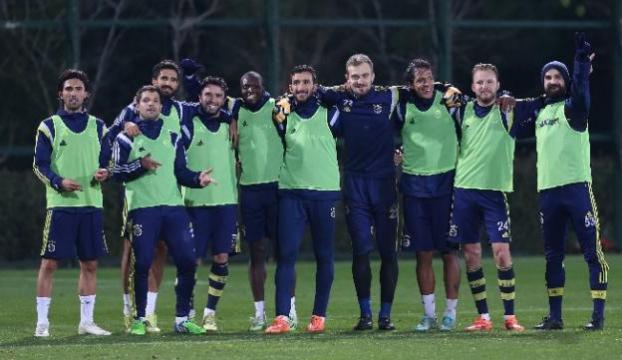 Fenerbahçe yarın kampa girecek