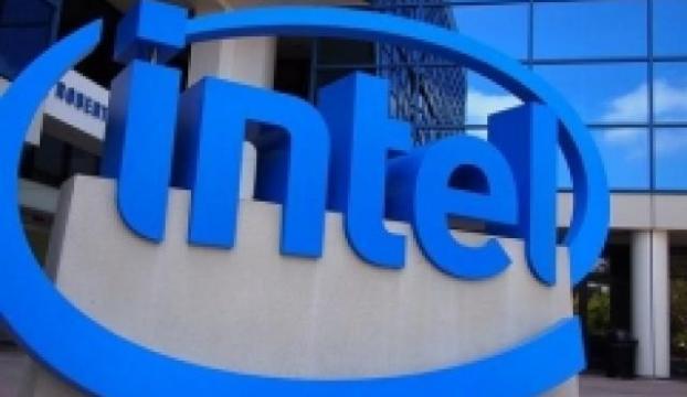 Intel kaybı önlemek için mobil ve PC bölümlerini birleştiriyor