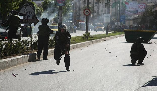 Mescid-i Aksa öfkesi dinmiyor: 20 yaralı