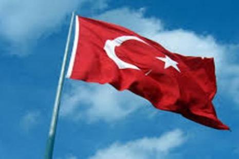 Hainlerin hedefi yine Türk Bayrağı oldu