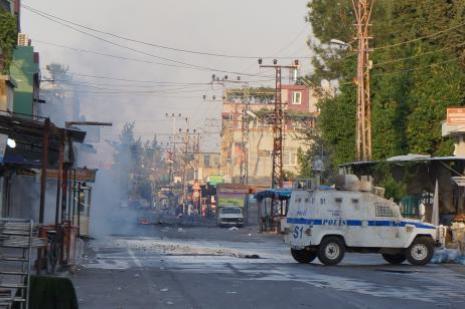 Kobani eylemlerinin faturası ağır oldu