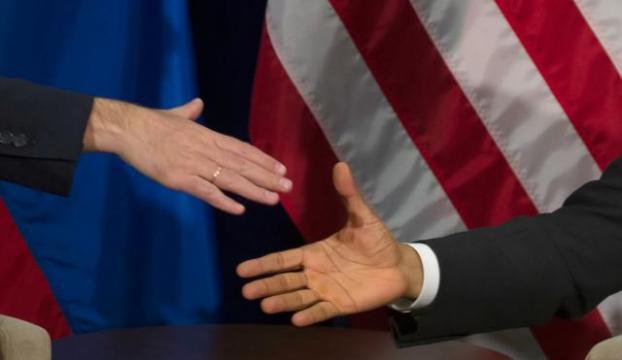 Kremlin: Putinin Çin First Ladysine şal tutması doğal bir davranış
