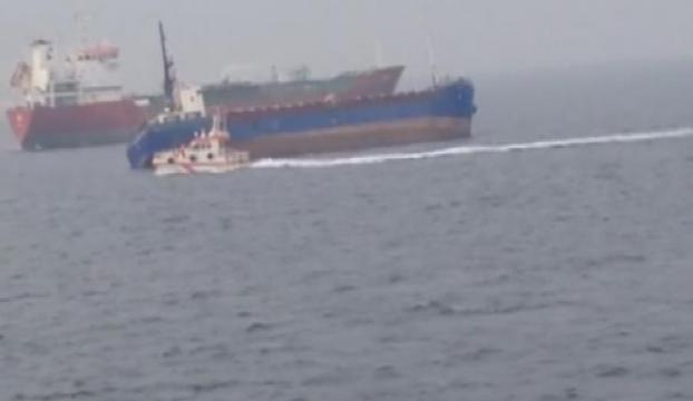 Kum yüklü gemi batma tehlikesi geçiriyor