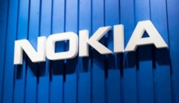 Nokia Androidli bir amiral gemisi ile dönüyor
