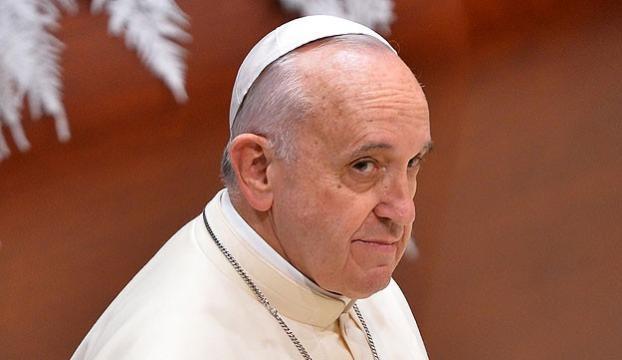 Papa ABD ve Kübanın kararından mennun