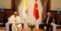 Cumhurbaşkanı Erdoğan ve Papa Franciscus konuşuyor