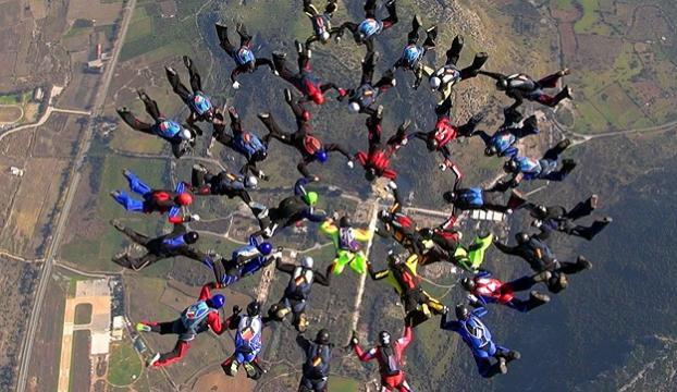 Hayko Cepkinli paraşüt rekoru