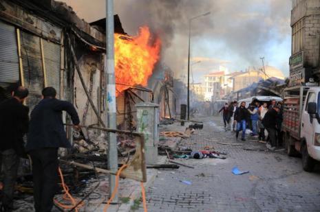 Kobani eylemlerinde ölümler artıyor