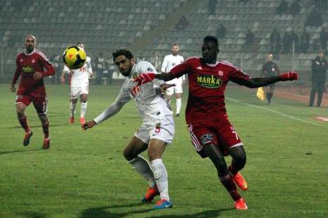 Sivasspor: 0 - Eskişehirspor: 0 (İlk yarı)