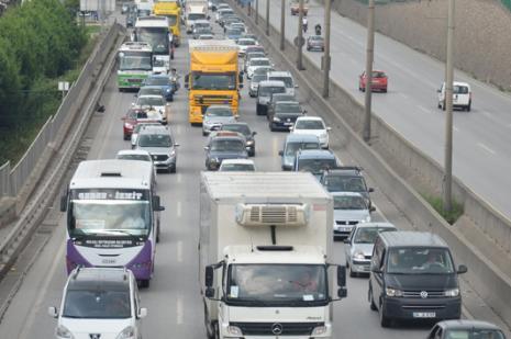 TEMdeki kaza nedeniyle İstanbul trafiği felç!