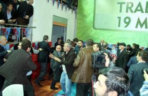 Trabzonspor Genel Kurulu kavgayla açıldı