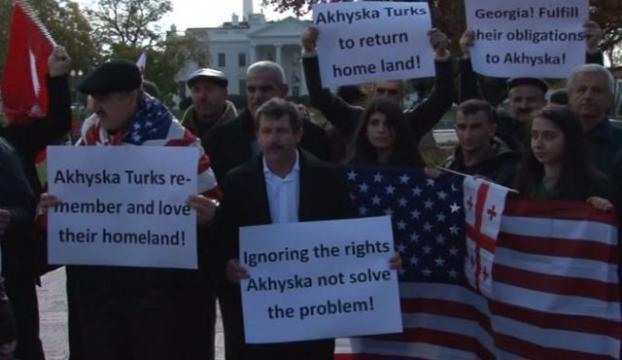 Türkler Beyaz Saray önünde...