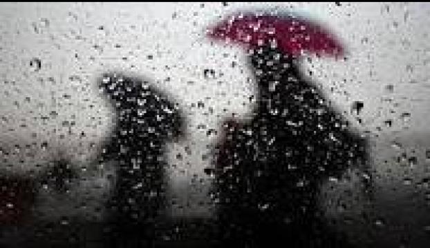 İstanbuldaki yağış su baskınlarına neden oldu
